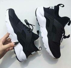 @EssenceAQ nike, shoes, and black
