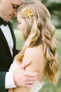 Nesta galeria apresentamos os mais belos penteados de noiva com cabelo solto para mulheres modernas, que preferem um look natural e simples. Escolha o