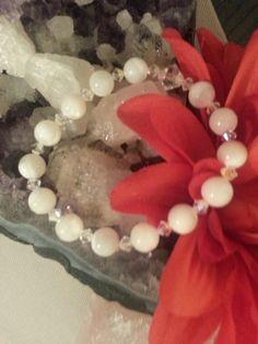 Swarovski Pearl Bracelet with Swarovski Crystals – Evolve Jewelry Design www.evolvejewelrydesign.net www.facebook.com/evolvejewelrydesign1