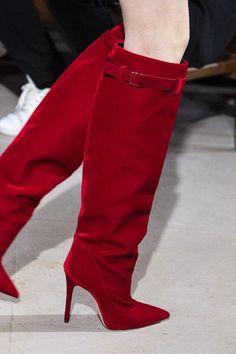 David Koma at London Fashion Week Fall 2019 - Details Runway Photos Source by accessoriesgirl women shoes David Koma, Bootie Boots, Shoe Boots, Women's Shoes, Pink Shoes, Dance Shoes, Fashion Week, Fashion Fall, Fashion Edgy