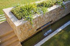 Cómo construir una fuente en tu jardín en 7 pasos