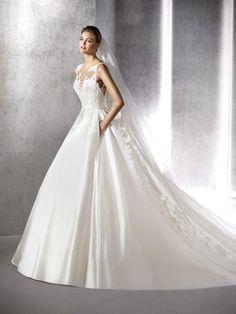 Zayan princess dress, in lace