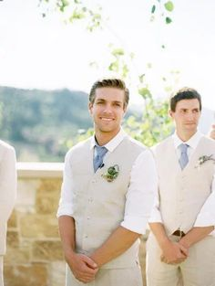 Beige casual groom's attire for a Summer wedding
