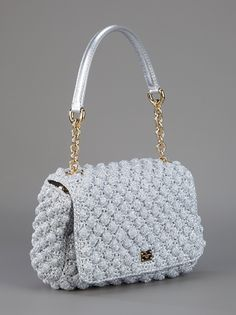 DOLCE GABBANA Metallic shoulder bag ♪ ♪ ... #inspiration #crochet #knit #diy GB http://www.pinterest.com/gigibrazil/boards/