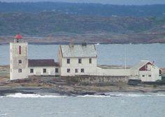 #Lighthouse - Fulehuk #Fyr - Nøtterøy, #Norway  http://dennisharper.lnf.com/