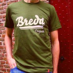 We hebben weer nieuwe kleuren in de winkel! #armygreen #restyle #tee #lastminute #vaderdag #cadeau #shoppen #breda #bredaoriginals Originals, Art Pieces, Store, How To Make, Mens Tops, T Shirt, Fashion, Supreme T Shirt, Moda