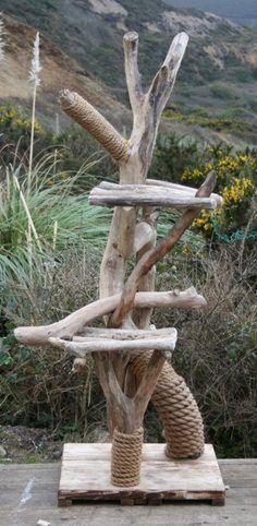 arbre à chat en bois flotté
