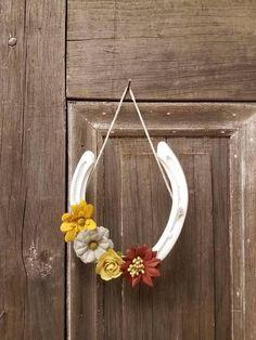 Decorative horseshoe with Flowers