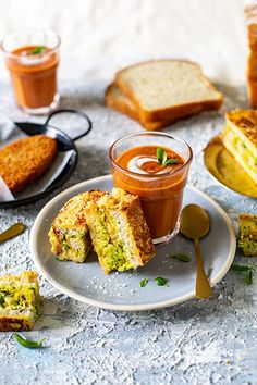 This Bread pakora with curried tomato soup is a spicy twist on the classic - the indugent potato and Quorn-filled sandwich is perfect dipped in the soup. Spicy Soup, Sour Soup, Tomato Dishes, Tomato Soup, Sweet Potato Soup, Sweet Potato Recipes, Best Soup Recipes, Favorite Recipes