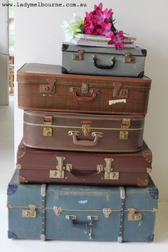 Love old suitcases...