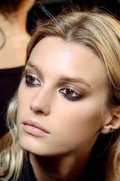 Beautiful makeup // Love the reverse smoky eye #Beauty