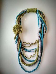 Unik heklet halskjede Crochet Necklace, Beaded Necklace, Jewelry, Fashion, Beaded Collar, Jewlery, Moda, Crochet Collar, Pearl Necklace