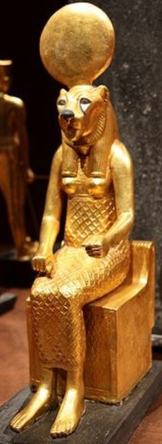 JOJO POST STAR GATES: WHO IS THIS?? What is the message of the Ancient people for the future generations on planet earth. WHAT DO YOU SEE?? WHAT DO YOU THINK?? WHAT DO WE KNOW?? Tutankhamun in Barcelona  Statuette from the tomb.