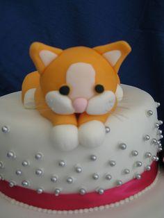 Kitten cat cake - potential options for Skrillex's bday Fancy Cakes, Cute Cakes, Chocolates, Kitten Cake, Birthday Cake For Cat, Birthday Parties, Cat Cake Topper, Fondant Animals, Cakes For Women