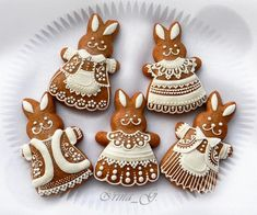 fabulous bunny cookies by Irina Fancy Cookies, Iced Cookies, Cute Cookies, Cupcake Cookies, Christmas Sugar Cookies, Easter Cookies, Gingerbread Cookies, Sugar Cookie Icing, Ginger Bread Cookies Recipe
