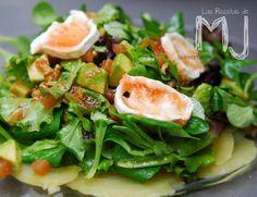 Ensalada de patata con aguacate y rulo de cabra / Potato salad with avocado and goat cheese