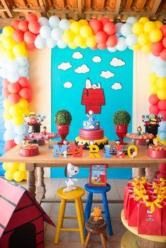 Festa Snoopy para comemorar os 2 anos do Murilo, decoração feita pela madrinha Layla Art Design. Tudo lindo!