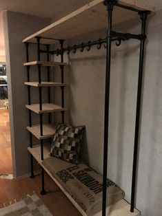 Zwarte Buiskoppelingen Ø Home Room Design, Living Room Designs, House Design, Diy Clothes Rack, Pipe Furniture, New Room, House Rooms, Diy Home Decor, Bedroom Decor
