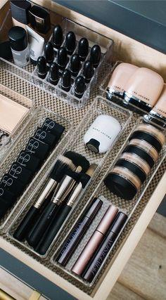 Makeup Vanity Organization Smokey - how i organize my makeup drawers - andee layne Diy Makeup Organizer, Makeup Drawer Organization, Bathroom Organization, Organization Hacks, Organizing, Makeup Storage Drawers, Bathroom Storage, Bathroom Drawers, Acrylic Makeup Storage