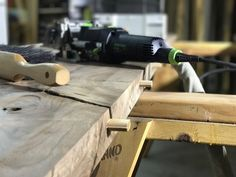 Highest quality salvaged live edge wood slabs with a vast variety of species, styles and sizes, you can get the perfect slab to fit your needs.