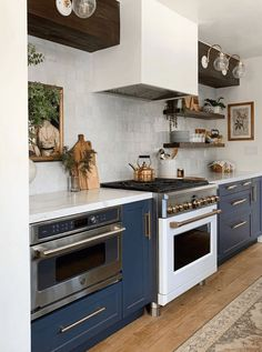 Semihandmade Supermatte Night Sky Shaker drawers and doors in a galley kitchen