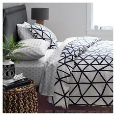 Set the scene with a wide range of bold colors, unexpected prints and globally inspired patterns for bedding, furniture, lamps, rugs and more. This Nate Berkus collection creates a bedroom that's right on trend. Decor, Home Bedroom, Home Decor, Room Inspiration, Apartment Decor, Bedroom Decor, Bold Bedroom, Bedroom Collection, New Room