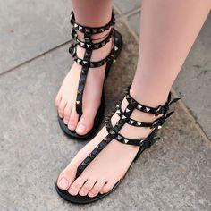 Women Summer Shoes Rivet Ankle Straps Flat Sandals T-Strap Beach Slippers Fashion Red/Black Sandals Ladies Flip Flops