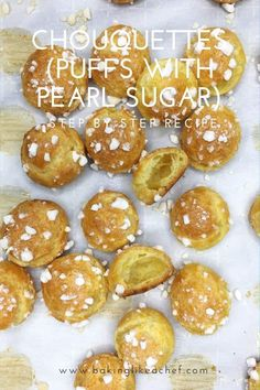 Discover this easy recipe for authentic French pastry sugar puffs (chouquettes, or puffs with pearl sugar) that disappear in no time right from the oven! Kid Desserts, French Desserts, Delicious Desserts, Dessert Recipes, Vegetarian Desserts, Gourmet Desserts, Fudge Recipes, French Food, Plated Desserts