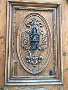 Door knocker, Plaza De Don Juan De Villarrasa, Valencia , Spain.