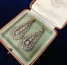 Diamond Chandelier Earrings, Diamond Earing, Diamond Drop Earrings, Art Deco Diamond, Diamond Jewelry, Gemstone Jewelry, Sparkly Jewelry, Royal Jewelry, Fine Jewelry