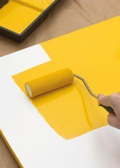 El lacado puede que sea una de las técnicas más complicadas de dominar en el mundo de la pintura en general, pero el resultado que ofrece es sencillamente espectacular cuando se hace bien. El lacado en general y el lacado con rodillo en particular son técnicas muy utilizadas en restauración, pero también en la cotidianidad …
