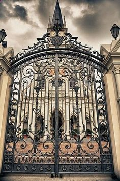 Ornate wrought iron gates - Rose Retreat