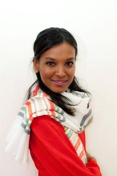 Mannequin et actrice ethiopienne, Liya Kedebe est la première égérie noire Estee Lauder. Des années après sa carrière internationale, elle arbore toujours un style à la pointe de la mode #intothechic