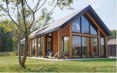 casas de luxo Viking Creek - The Lodge at Whitefish Lake Barn House Design, Glass House Design, Modern Barn House, Modern House Design, Hut House, Tiny House Cabin, Plan Chalet, Facade House, House Facades