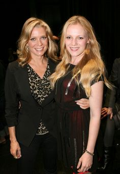 Laurie Holden & Emma Bell (The Walking Dead)