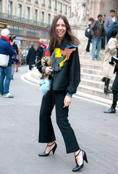 Paris Fashion Week Streetstyle : Smile! Natasha Goldenberg - by Lelook