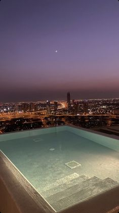 Night Aesthetic, City Aesthetic, Travel Aesthetic, Jacuzzi, Places Around The World, Around The Worlds, Motif Art Deco, Images Esthétiques, Dream City