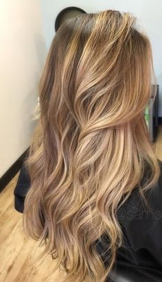 38 Best Balayage Hair Color Ideas for 2019 - Style My Hairs Champagne Blonde Hair, Honey Blonde Hair, Balayage Hair Blonde, Platinum Blonde Hair, Balayage Highlights, Long Blonde Wig, Honey Balayage, Strawberry Blonde Hair Color, Bronde Balayage