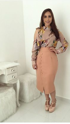 Sexy Skirt, Dress Skirt, Dress Outfits, Cool Outfits, Modest Fashion, Fashion Outfits, Vestidos Fashion, Latest Fashion For Women, Womens Fashion