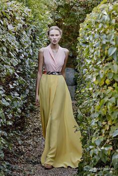 Женская мода: Dolores Promesas Heaven, весна-лето 2017