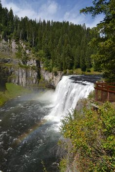 This is an amazing place to visit in Idaho. Upper Mesa Falls is just a great natural water fall.
