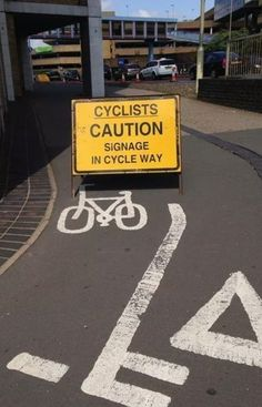 30 Signs That Are So Obvious They're Actually Funny. - http://www.lifebuzz.com/captain-obvious/