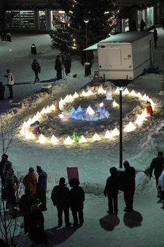 Nuoret yrittäjät valaisemassa Kajaanin keskustaa #avedia #valonjuhla #touchdown #kajaani