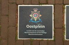 De Marinier - Oostplein Rotterdam.  Het Mariniersmonument is een oorlogsmonument. Het herdenkt en dankt de mariniers die in de meidagen van 1940 hard voor de stad hebben gestreden. De kazerne die hier was, werd door het bombardement van Rotterdam vernietigd. Foto: G.J. Koppenaal, 2/5/2014