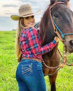 Cowboy Girl, Western Girl, Cowgirl Style, Foto Cowgirl, Estilo Cowgirl, Gypsy Cowgirl, Sexy Cowgirl Outfits, Country Outfits, Cowgirl Clothing