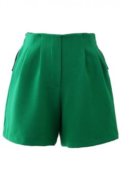 Knight Crepe Zipped Shorts in Green