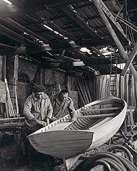 Construction d'une barque au lac du Bourget
