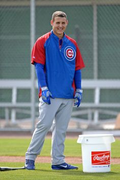 Anthony Rizzo looks on during a workout.