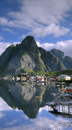 #Lofoten - #Norway http://en.directrooms.com/hotels/subregion/2-39-6987/