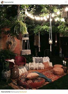 boho outdoor nook // indoor garden // outdoor space // living room design // boho theme